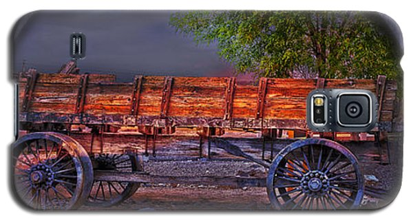 The Wagon Galaxy S5 Case by Gunter Nezhoda