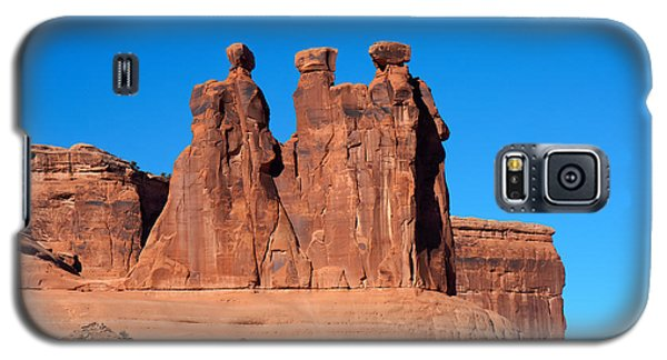 Galaxy S5 Case featuring the photograph The Watchers by John M Bailey
