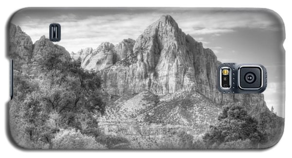 Galaxy S5 Case featuring the photograph The Watchman by Jeff Cook