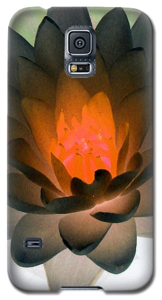 Galaxy S5 Case featuring the photograph The Water Lilies Collection - Photopower 1036 by Pamela Critchlow
