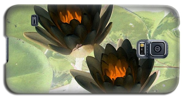 Galaxy S5 Case featuring the photograph The Water Lilies Collection - Photopower 1041 by Pamela Critchlow