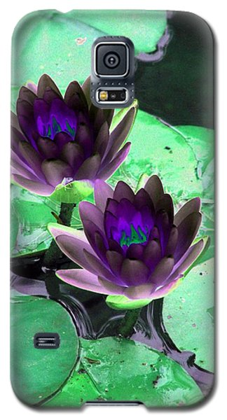 Galaxy S5 Case featuring the photograph The Water Lilies Collection - Photopower 1119 by Pamela Critchlow