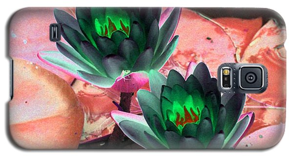 Galaxy S5 Case featuring the photograph The Water Lilies Collection - Photopower 1120 by Pamela Critchlow