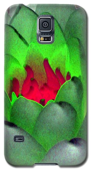 Galaxy S5 Case featuring the photograph The Water Lilies Collection - Photopower 1122 by Pamela Critchlow