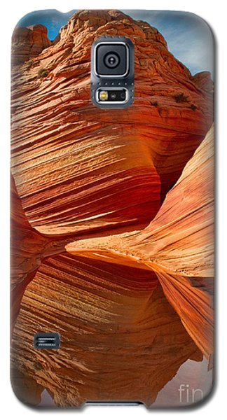 Galaxy S5 Case featuring the photograph The Wave With Reflection by Jerry Fornarotto