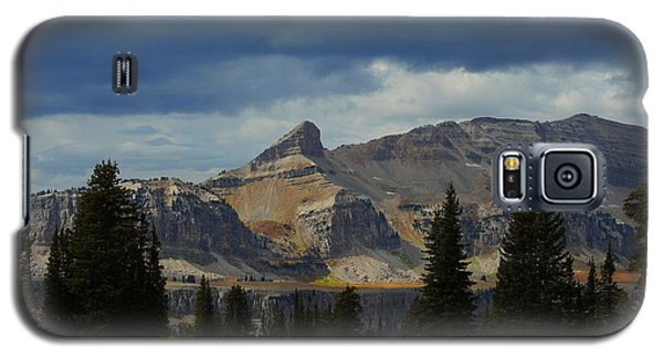 Galaxy S5 Case featuring the photograph The Wedge by Raymond Salani III