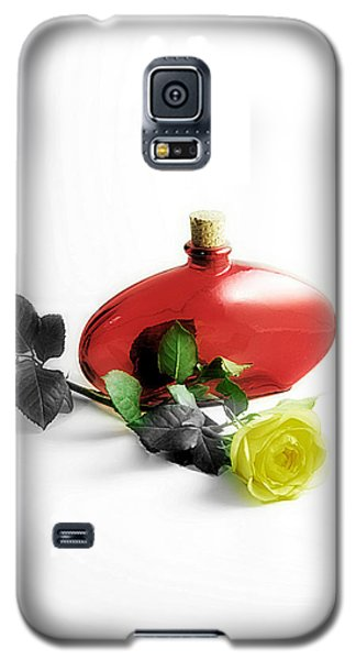 Galaxy S5 Case featuring the photograph The Yellow Rose by Karo Evans