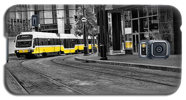 Galaxy S5 Case featuring the photograph The Yellow Train Of Dallas by Kathy Churchman