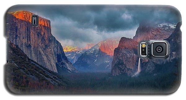 Yosemite National Park Galaxy S5 Case - The Yin And Yang Of Yosemite by Michael Zheng