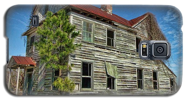 This Old House 2 Galaxy S5 Case by Victor Montgomery