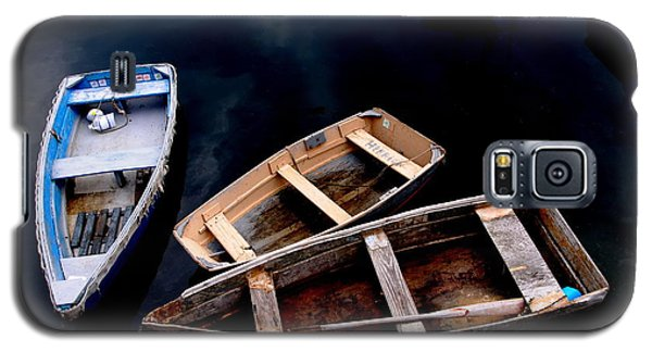 Galaxy S5 Case featuring the photograph Three Boats In Rockport Mass by Jacqueline M Lewis