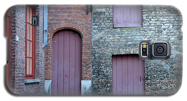 Three Doors And Two Windows Bruges, Belgium Galaxy S5 Case