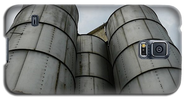 Galaxy S5 Case featuring the photograph Three Silos by Jane Ford