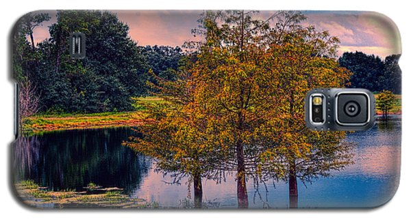 Three Trees In A Pond Galaxy S5 Case by Lewis Mann