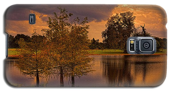 Three Trees In The Pond 2 Galaxy S5 Case by Lewis Mann