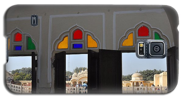 Three Windows At The Hawa Mahal Jaipur Rajashan India Galaxy S5 Case