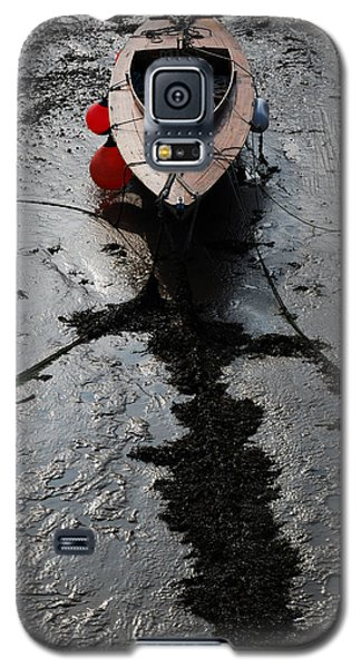 Galaxy S5 Case featuring the photograph Tide's Out 1 by Wendy Wilton