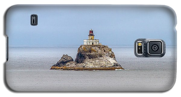 Galaxy S5 Case featuring the photograph Tillimook Lighthead by Dennis Bucklin