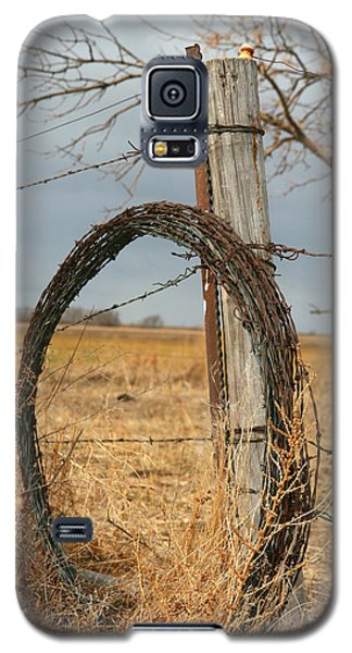 Galaxy S5 Case featuring the photograph Time To Work by Shirley Heier