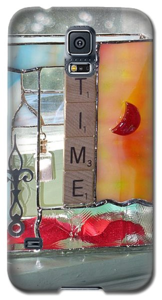 Galaxy S5 Case featuring the glass art Time Windowsill Box by Karin Thue