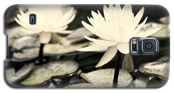 Galaxy S5 Case featuring the photograph Timeless by Lauren Radke
