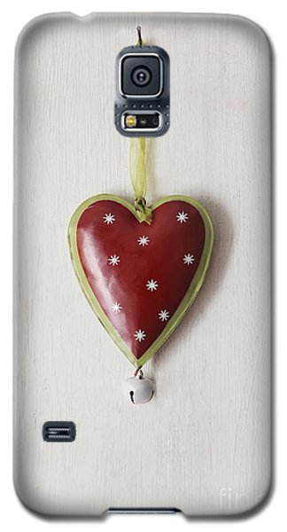 Tin Heart Hanging On Wood Galaxy S5 Case