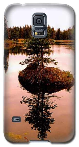 Tiny Island Galaxy S5 Case by Karen Shackles