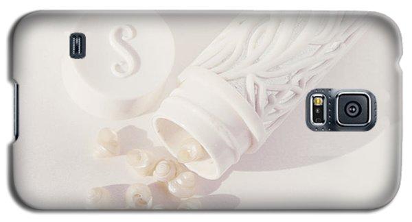 Tiny White Seashells Galaxy S5 Case