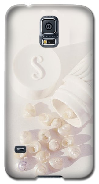 Tiny White Seashells Galaxy S5 Case