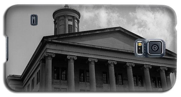 Galaxy S5 Case featuring the photograph Tn State Capitol by Robert Hebert