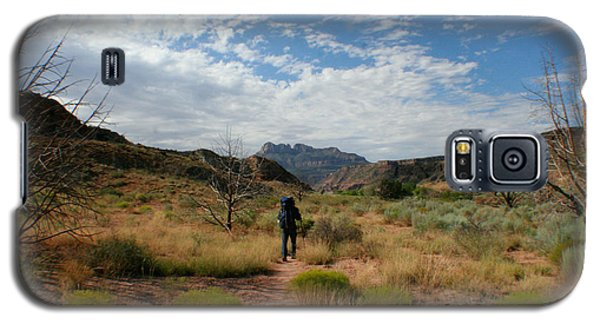 Galaxy S5 Case featuring the photograph To The Desert by Jon Emery