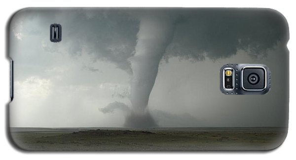 Tornado In The High Plains Galaxy S5 Case by Ed Sweeney