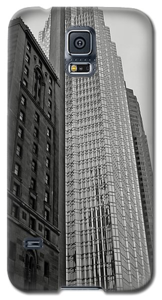 Galaxy S5 Case featuring the photograph Toronto by Cendrine Marrouat