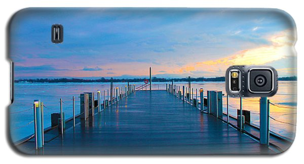 Galaxy S5 Case featuring the photograph Toronto Pier During A Winter Sunset by Nina Silver