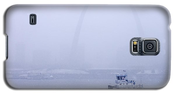 Towboat Working In The Snow St Louis Galaxy S5 Case by Garry McMichael
