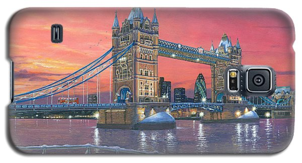 Tower Of London Galaxy S5 Case - Tower Bridge After The Snow by Richard Harpum