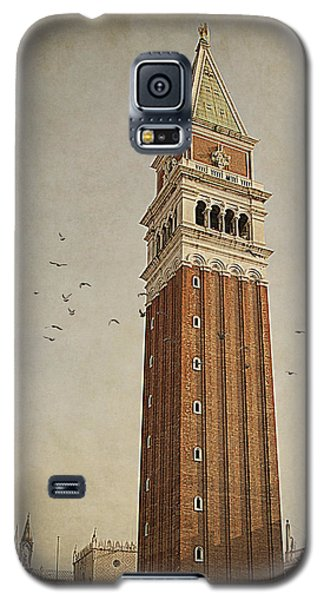 Galaxy S5 Case featuring the photograph Tower In Venice by Ethiriel  Photography