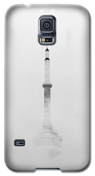 Towering Through The Fog Galaxy S5 Case