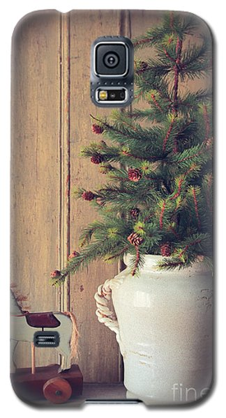 Toy Horse With Christmas Tree On Table Galaxy S5 Case