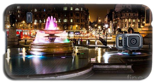 Galaxy S5 Case featuring the photograph Trafalgar Square by Matt Malloy