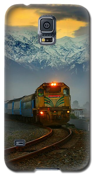 Train In New Zealand Galaxy S5 Case by Amanda Stadther