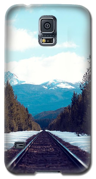 Galaxy S5 Case featuring the photograph Train To Mountains by Kim Fearheiley