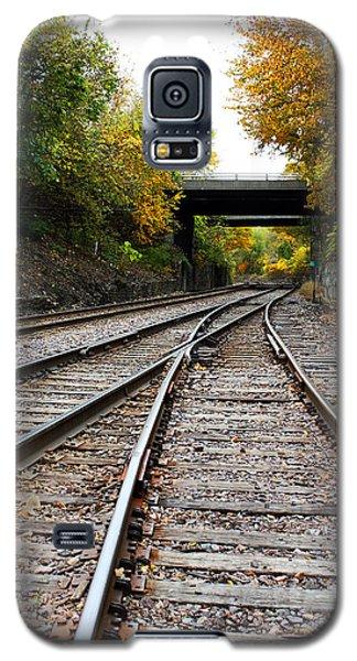 Train Tracks And Bridge In Autumn Galaxy S5 Case by Ellen Tully