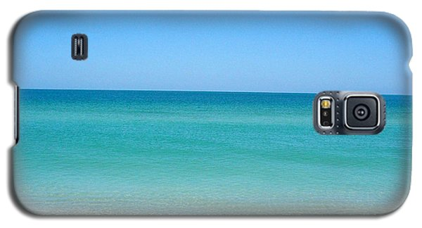 Galaxy S5 Case featuring the photograph Tranquil Gulf Pond by David Nicholls