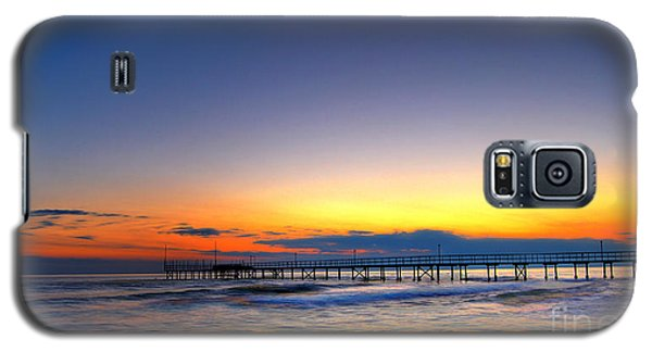 Galaxy S5 Case featuring the photograph Tranquility by Erhan OZBIYIK