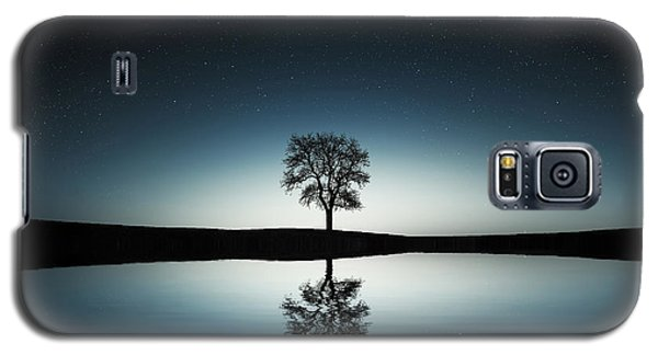 Tree Near Lake At Night Galaxy S5 Case