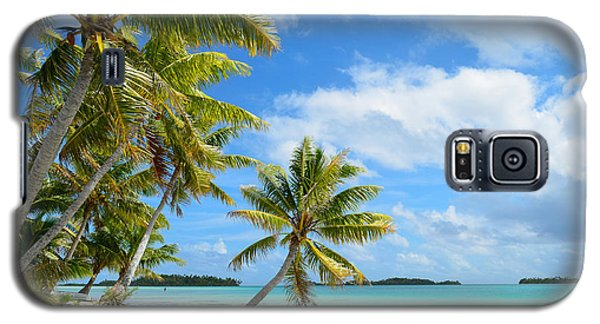 Tropical Beach With Hanging Palm Trees In The Pacific Galaxy S5 Case