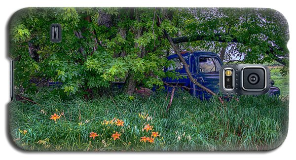 Truck In The Forest Galaxy S5 Case by Paul Freidlund