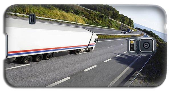 Trucks On Scenic Freeway Galaxy S5 Case