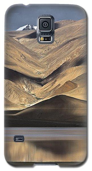 Golden Light Tso Moriri, Karzok, 2006 Galaxy S5 Case by Hitendra SINKAR